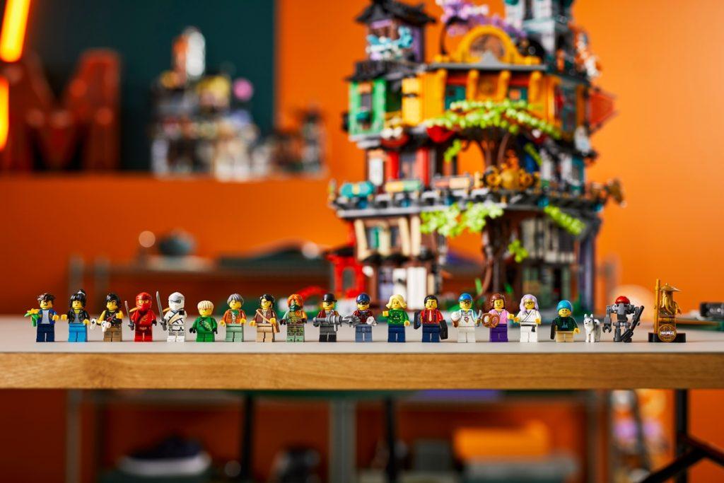 LEGO 71741 NINJAGO stadstuinen minifiguren