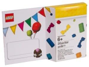 verjaardagskaart in lego 5004931 stijl
